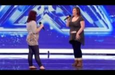 Duet v britském X Factoru skončil pěstí do obličeje