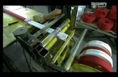 How It´s Made (CZ DABING) – Hasičská hadice