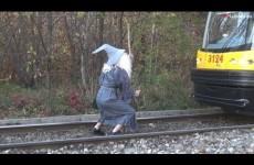 Skutečný Gandalf z Pána Prstenů žije, zastavil i vlak!