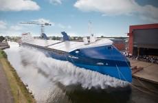 Spouštění obřích lodí na vodu probíhá jinak, než byste čekali: 7 obrů