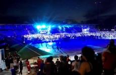 Takhle to vypadá, když 1 000 muzikantů hraje a zpívá Bitter Sweet Symphony