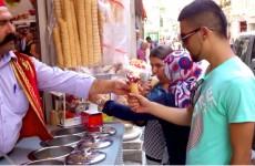 Turecký zmrzlinář totálně vytrolil zákazníka. Jak?