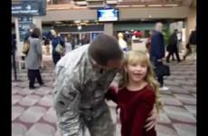Vítejte doma! Vojáci vracející se z Iráku domů. Tohle video vás rozpláče!